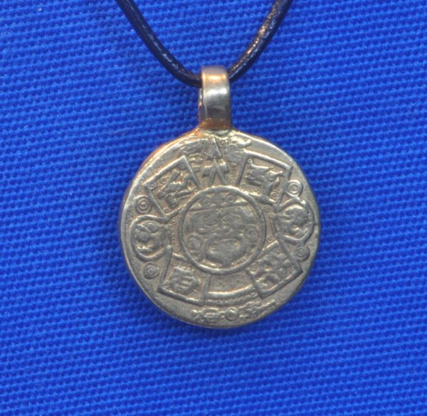 Aztec calendar pendant in 18kt gold aloadofball Image collections